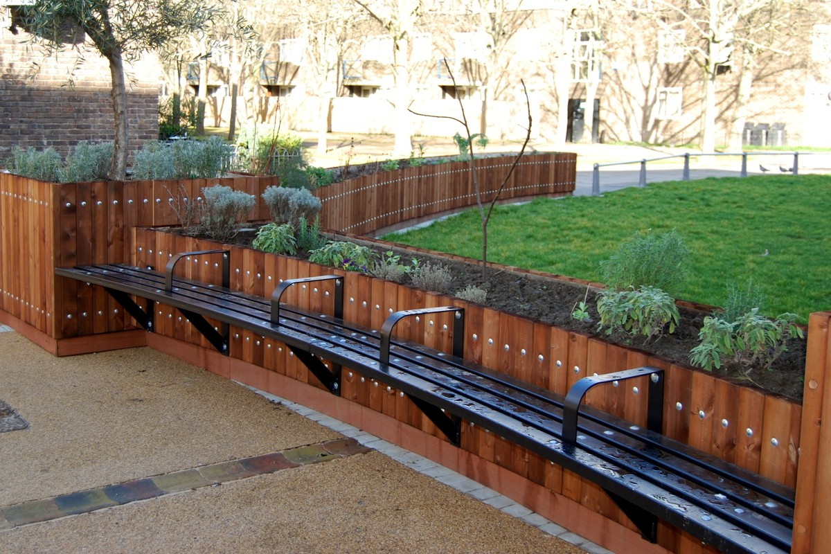 Bexley Metal Planter Bench Street Design