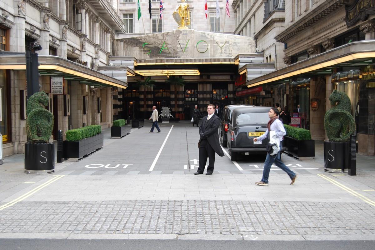 Hasil gambar untuk Savoy Court Street