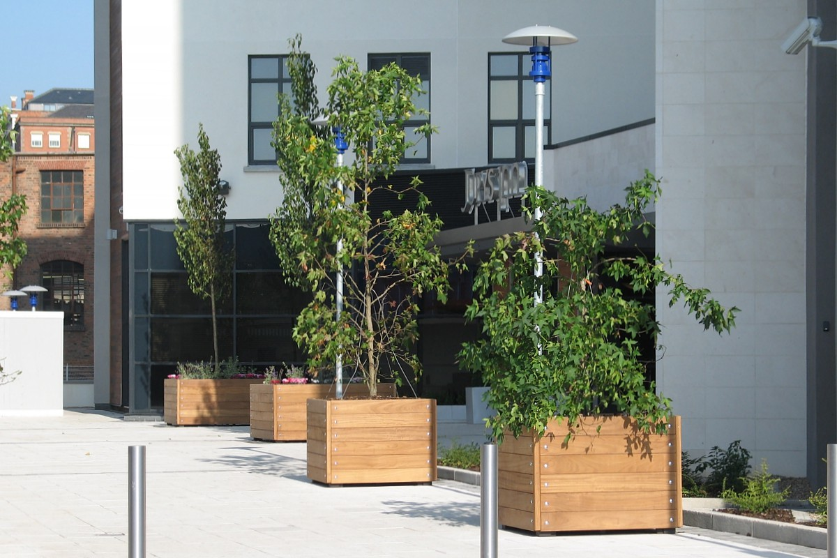 standard planters from a wide range of designs and materials,